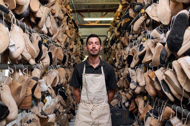 bisnis online sepatu