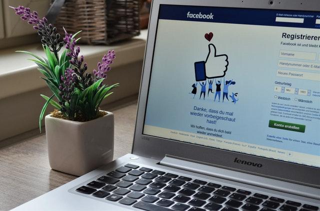 Kerja Online Sampingan admin sosial media